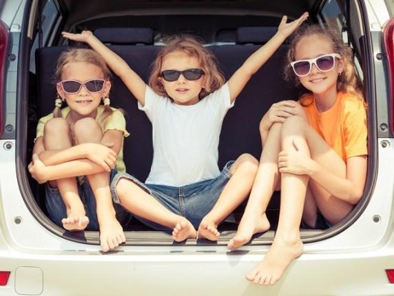 foto bambini in macchina