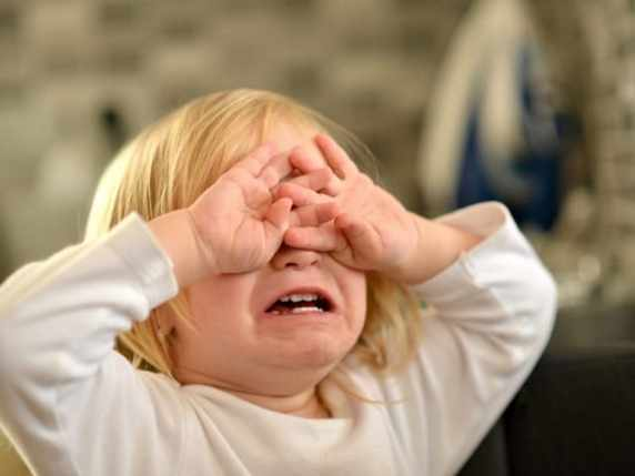 foto bimbo che piange