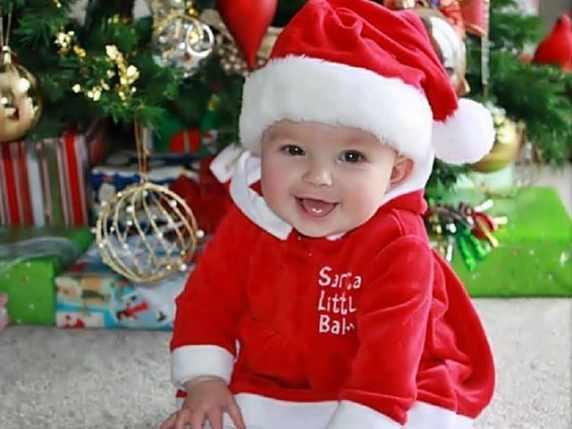 foto bimbo a Natale