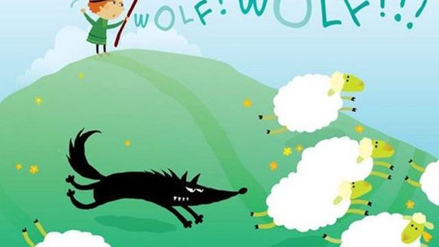 Foto ragazzo grida al lupo
