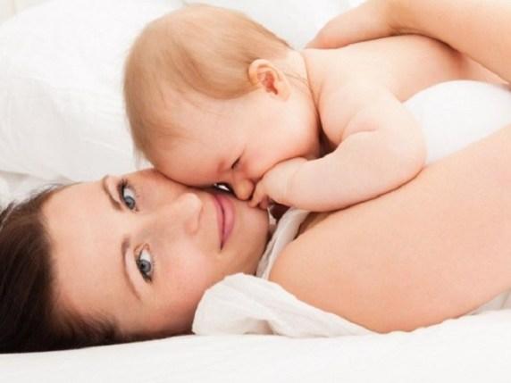 tenere in braccio bambino
