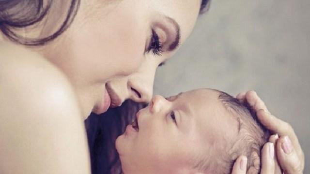 Neonato riconosce odore mamma