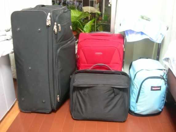 vacanze in montagna con bambini valige