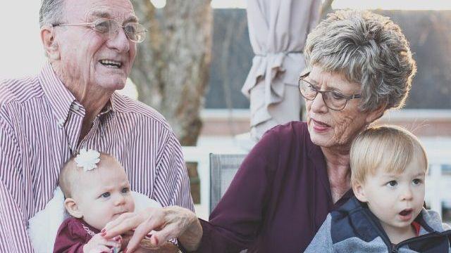 frasi sui nipoti e nonni