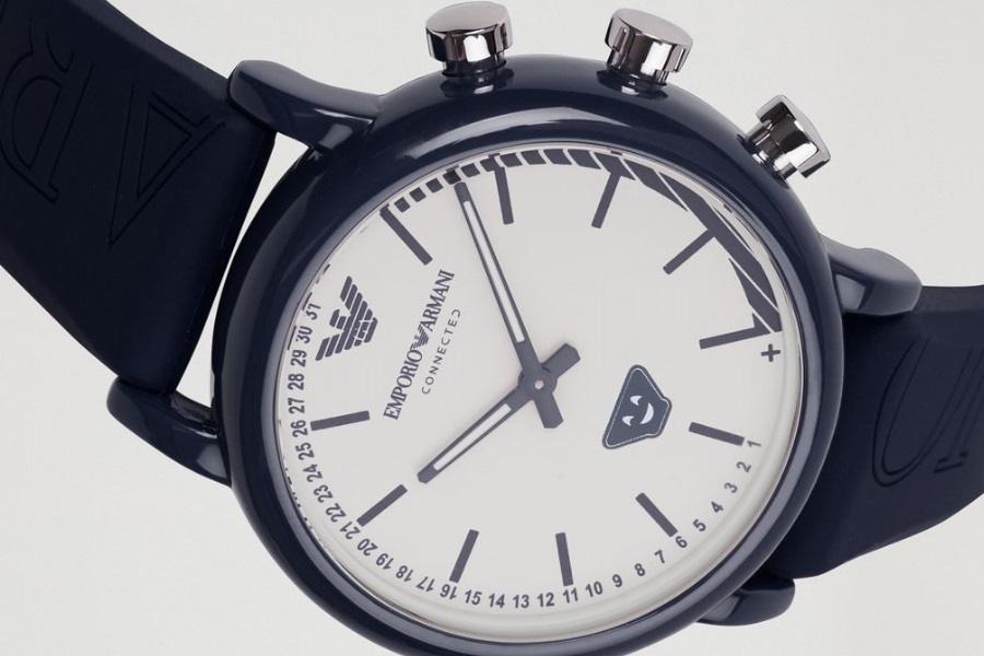 Emporio Armani Connected: 4 nuovi smartwatch ibridi per l'estate
