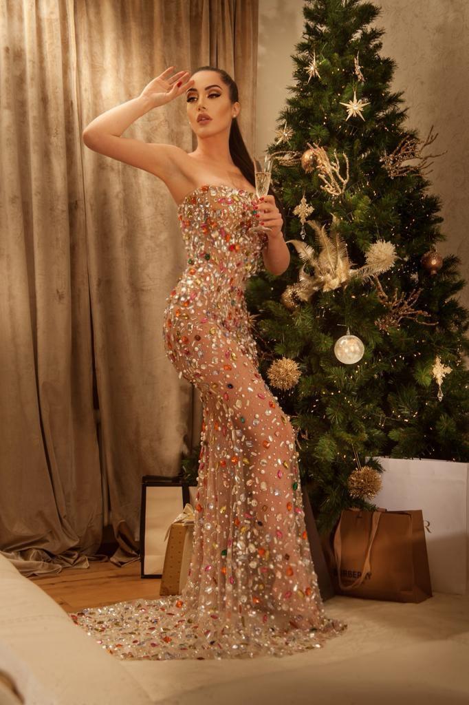 Maria Bove messe da parte la moda, la musica e la recitazione, cosa farà questo Natale?