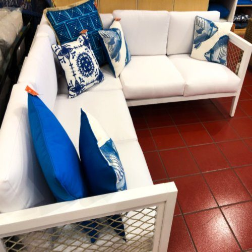 pier one stores closing sale going on