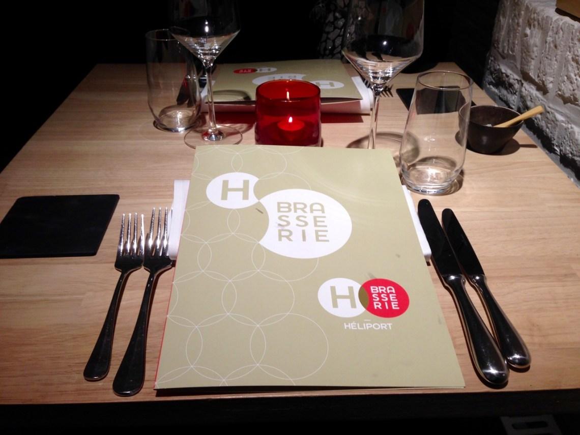 Restaurant Héliport Brasserie à Liège - Table