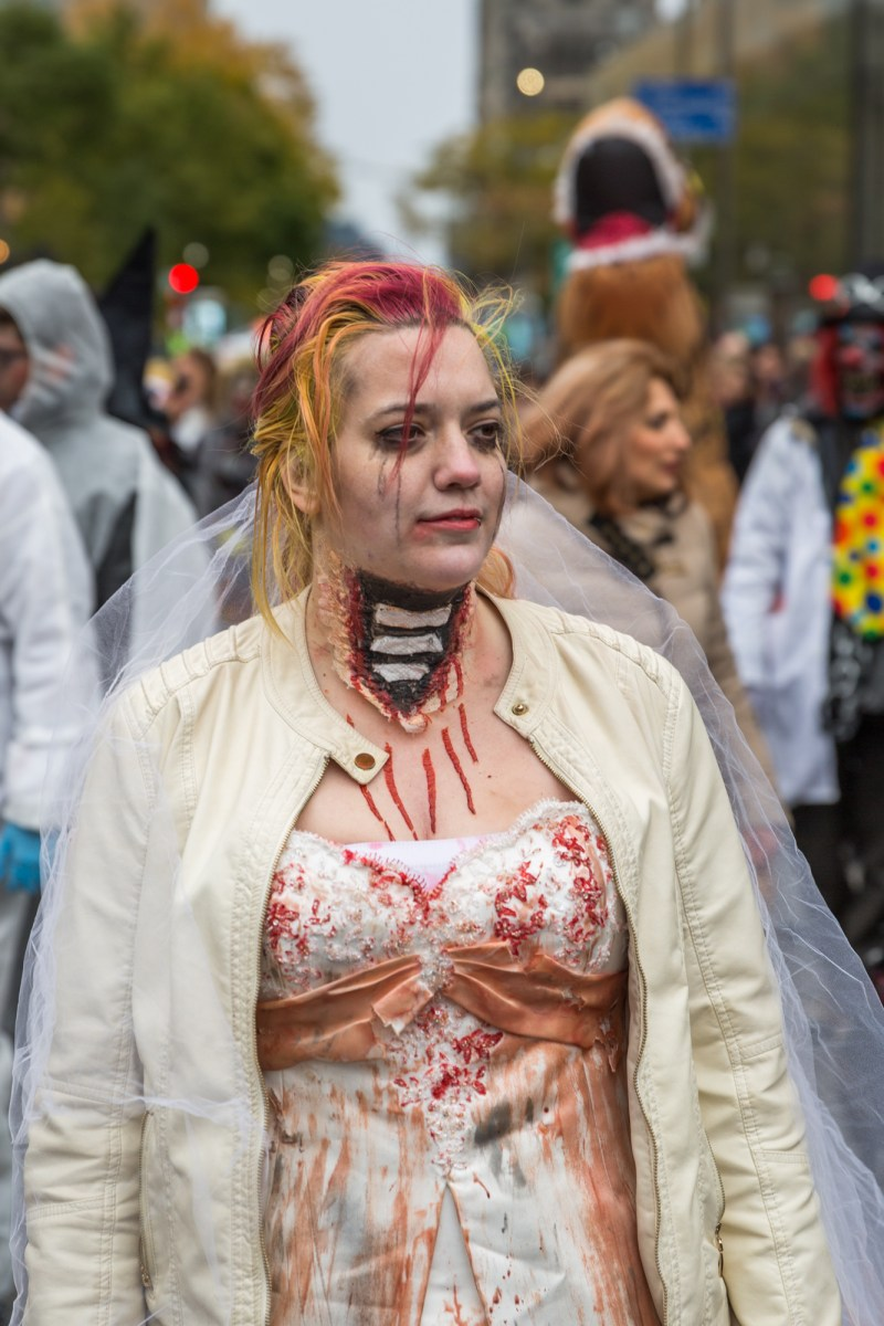 Photo : la Marche des zombies à Montréal mariée 2