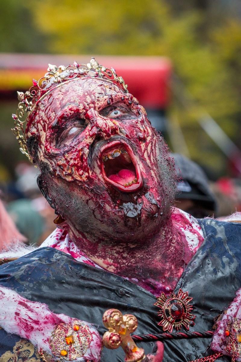 Photo : la Marche des zombies à Montréal roi