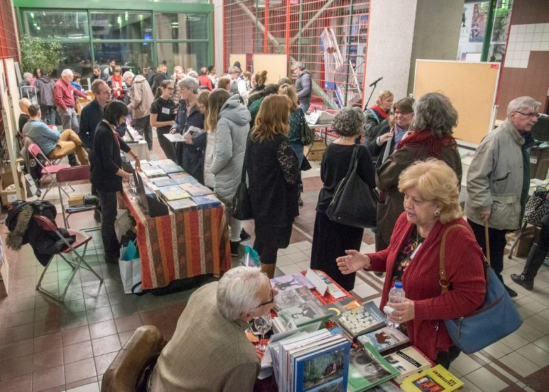 Holiday-Pop-up-bookfair_PLD_20181124_023.1200
