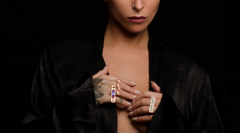 K8 Jewelry_Voyage Double Rings_Tanzanite_Alexandrite-Kate-Hubley-mannequin