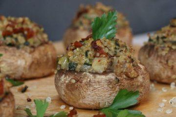 Champignons farcis au quinoa et tomates séchées, IG bas