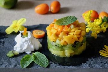 Salade de fruits exotiques et sa chantilly de coco Ig bas
