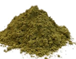 feuilles de stevia séchées et moulues