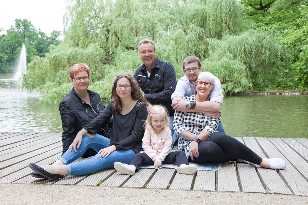 Generationsfoto am See - Familienfotos, Familienbilder, Familienfotografie
