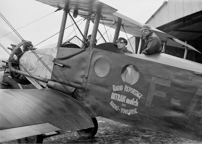 Alex Virot couvre le tour de France 1932 à bord d'un Nieuport Ni.D 391 F-AIMP de la CAF