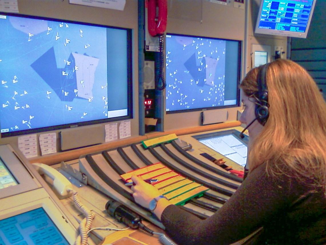 Une contrôleuse aérienne au CRNA-Est ©Xavier Cotton