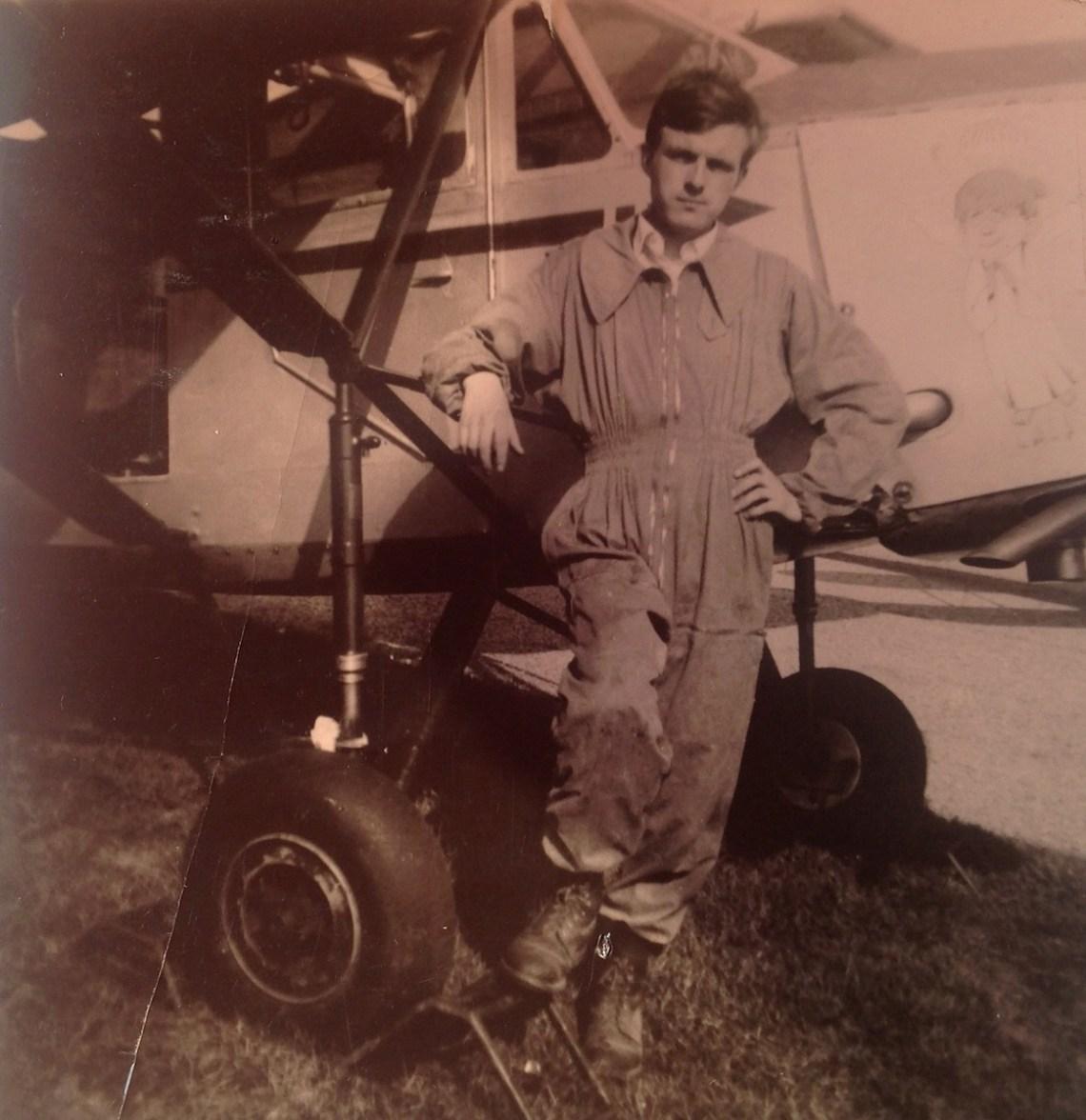 David Lebloas parachutiste devant la Caudron Phalène de l'ACN en 1964 @David Lebloas