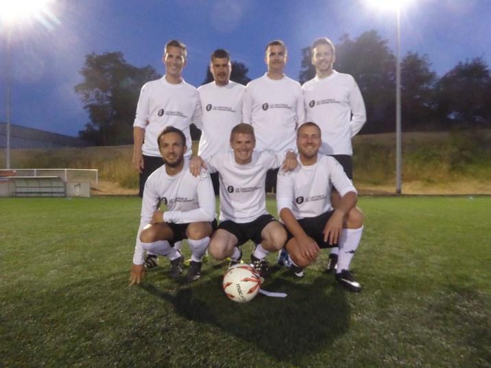 L'équipe de la Centrale de financement, vainqueur du tournoi.
