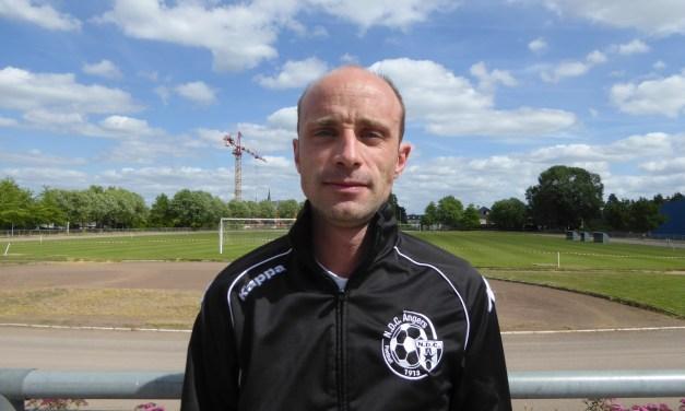 Pierre NAUDET : J'aurais aimé que le sport soit mieux considéré qu'il ne l'est dans cette période.