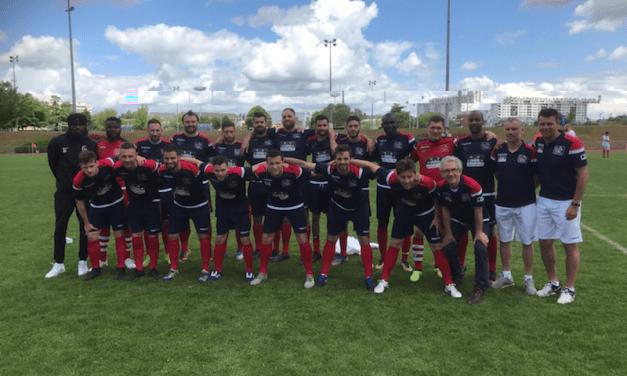 Les Sapeurs-Pompiers remportent le neuvième Trophée des Sélections Nationales du football entreprises.