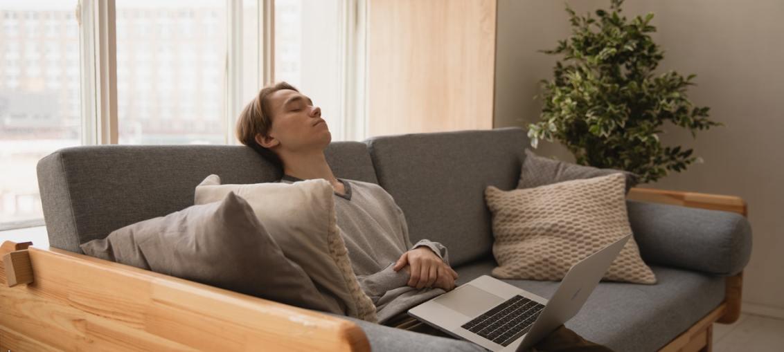 affrontare la solitudine coronavirus a casa