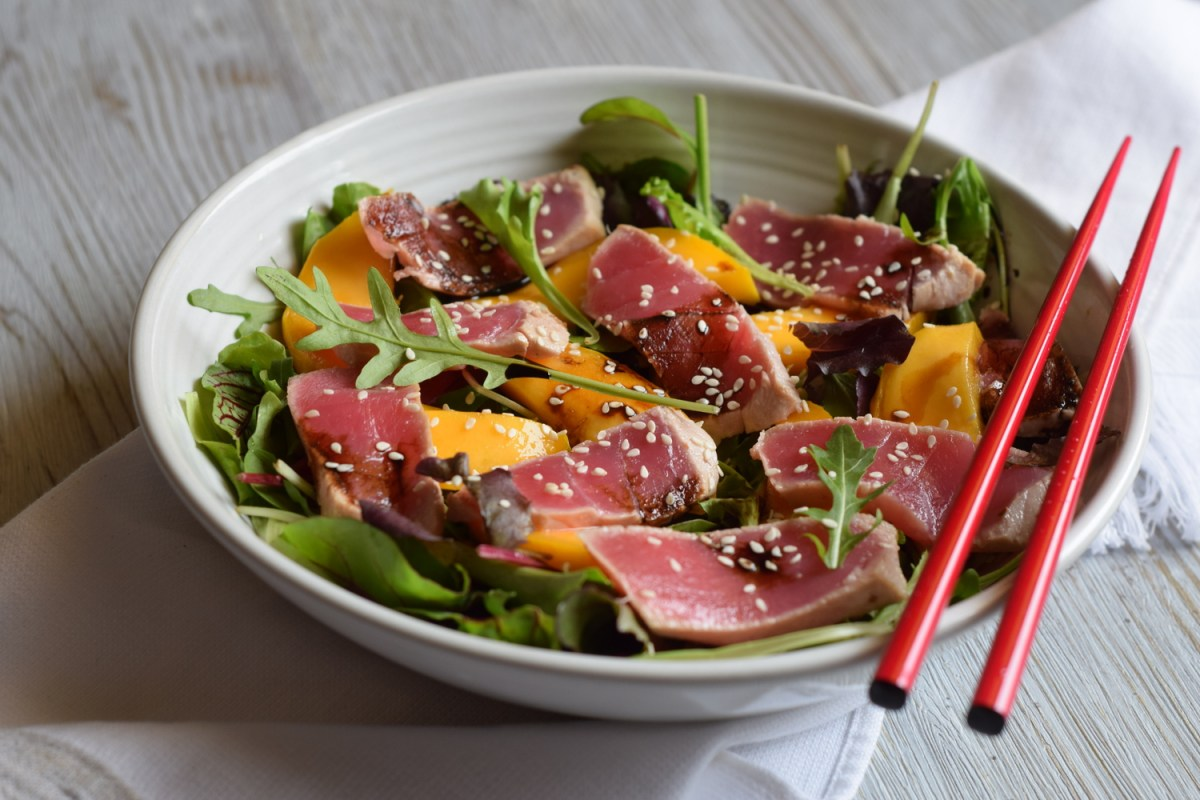 Tuna Tataki and Mango Salad