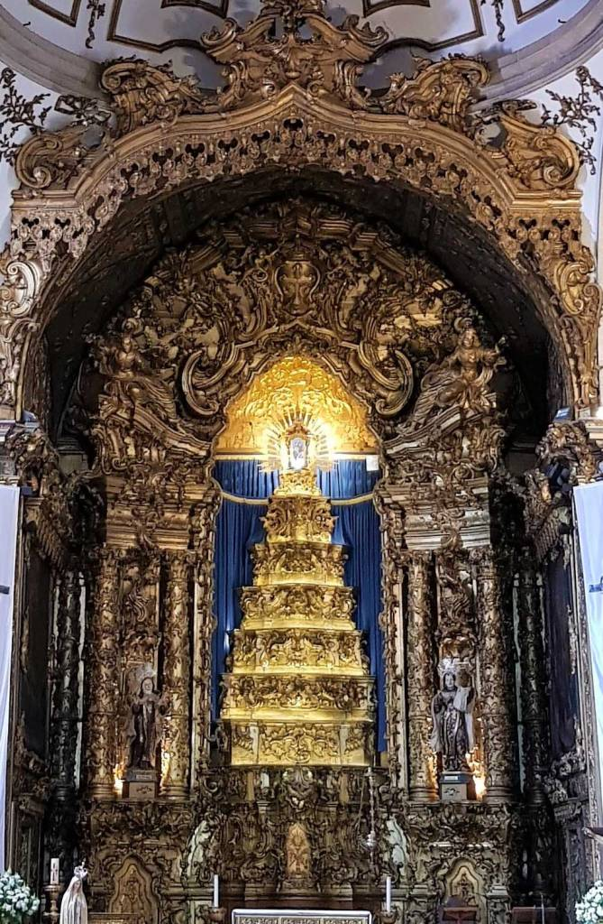 The golden Altarpiece in Carmo Church