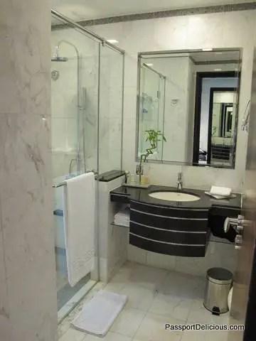 Radisson Dubai Bathroom