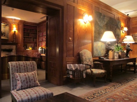 Covent garden hotel library