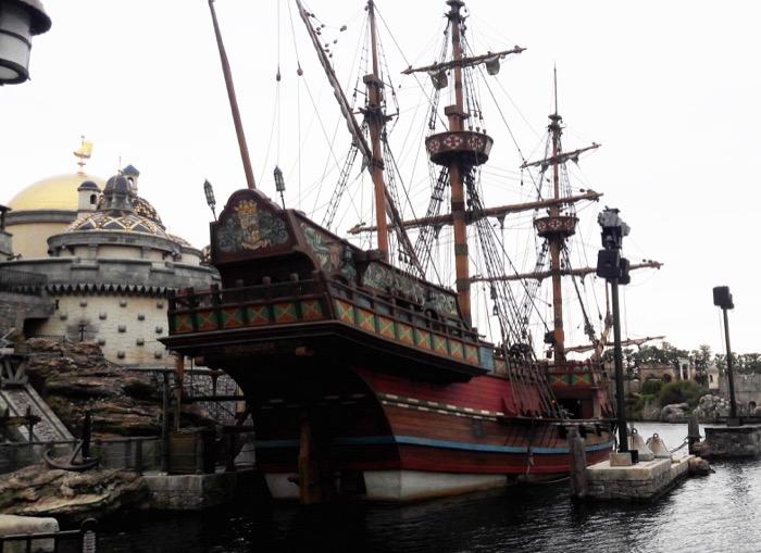 13 DisneySea Fortress Exploration Pirate Ship