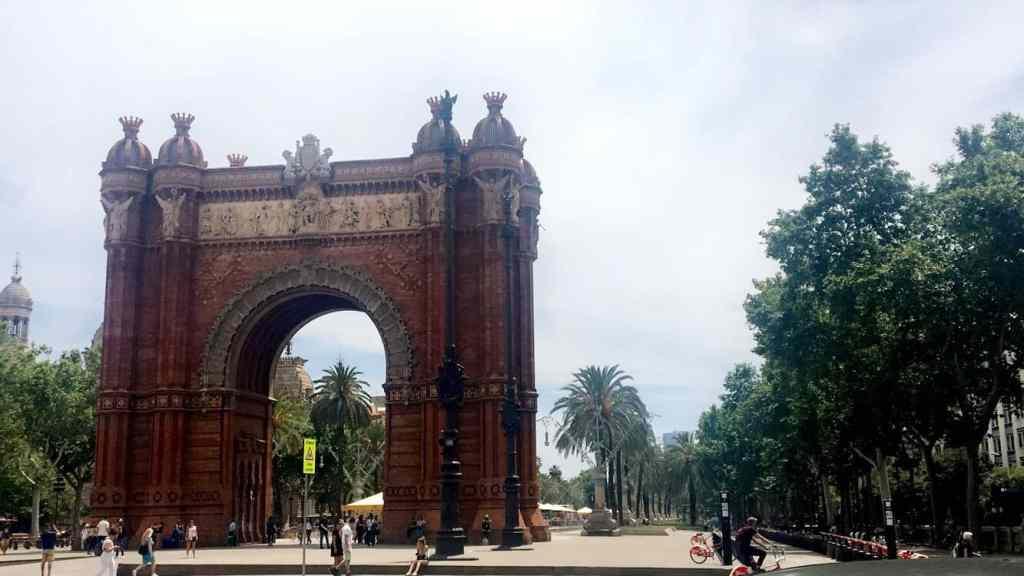 Ultimate Guide to Barcelona - Arc de Triomf
