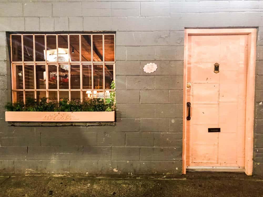 The Pink Door, Seattle