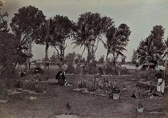 Antique 1865 Photo of Life In British India Era