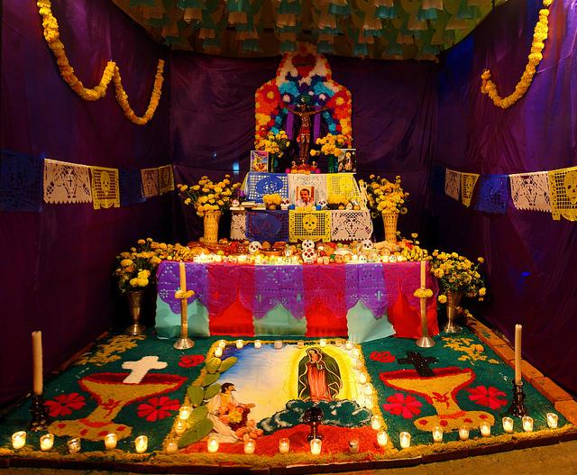 Este es uno de los Altares de Día de Muertos