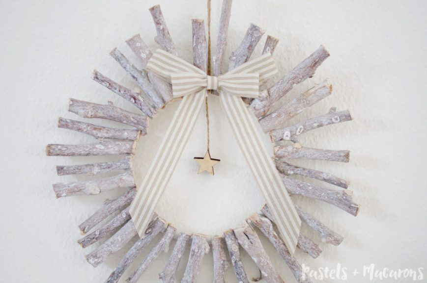 WOOD WREATH 24