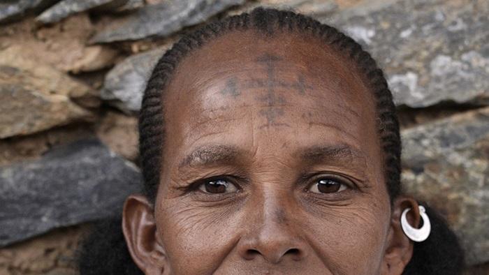 Read more about the article Cred în Cristos și îmi plac tatuajele!