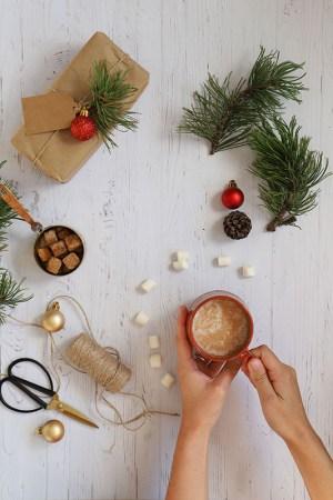 fondphoto noel effet bois blanc textuté, décoration de noel, studio photo et photo culinaire
