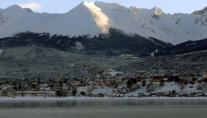 Bahia Encerrada Vista Glaciar Ushuaia invierno