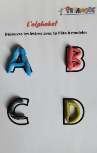 Apprendre l'alphabet avec la pâte à modeler
