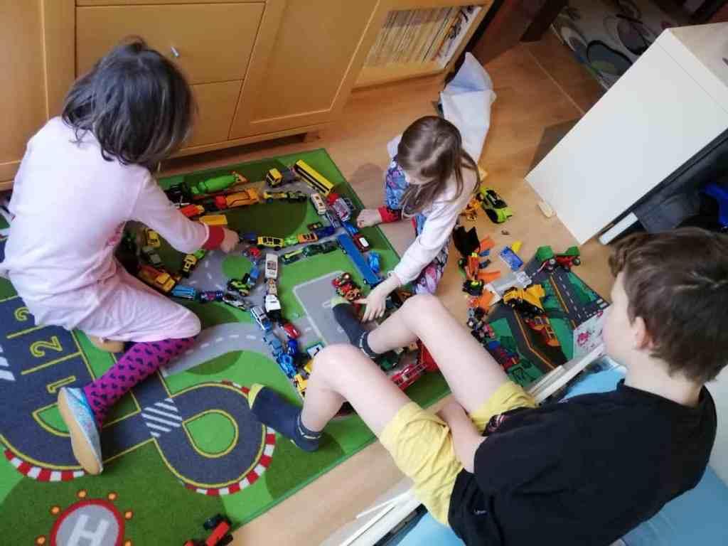 in Quarantäne zusammen spielen