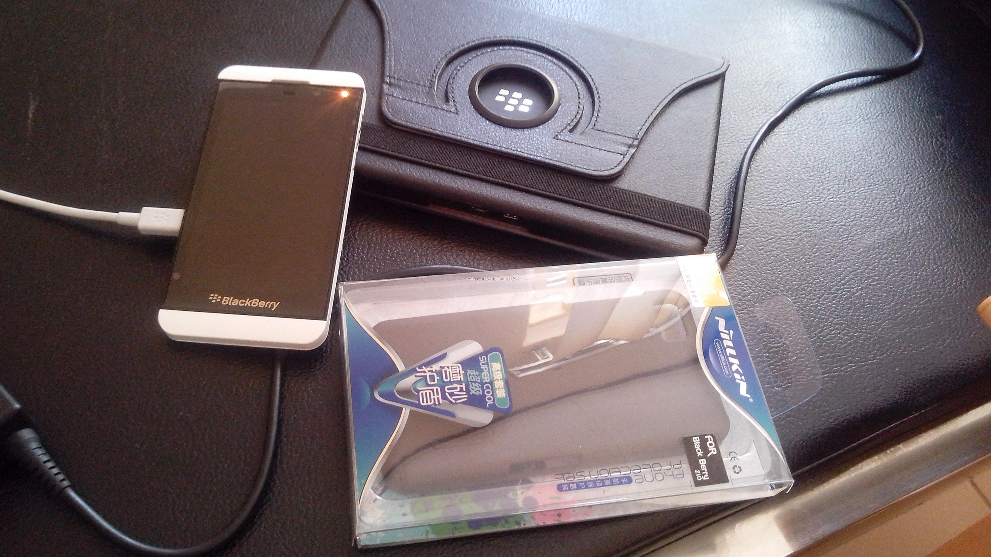 The White BlackBerry Z10 3G Smartphone Review - Tech Reviews