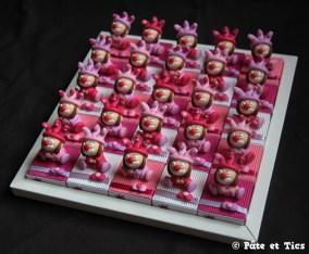 Boîtes à dragées petites filles clowns