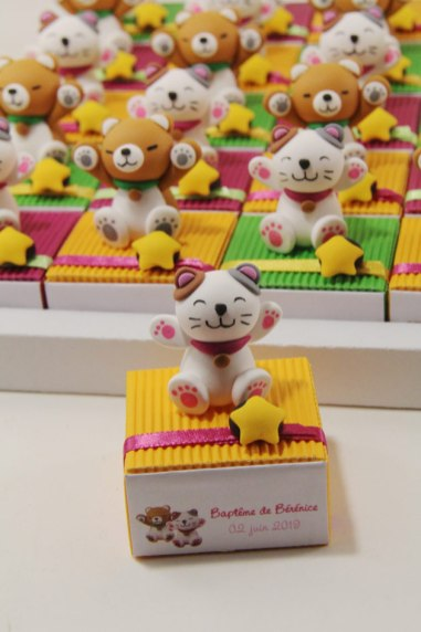 Boîtes à dragées manekinekos et akitas thème Japon