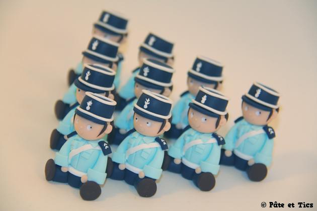 petits-sujets-gendarmes-03