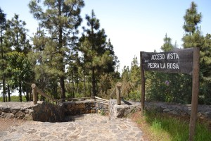 Acceso vista Piedra de La Rosa