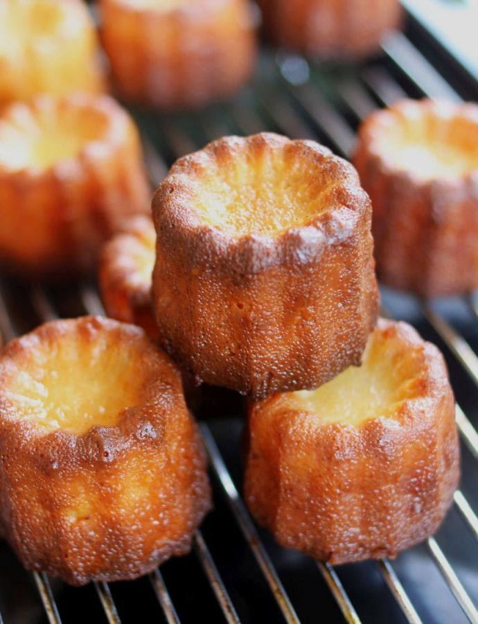 The Snack and the Canelé