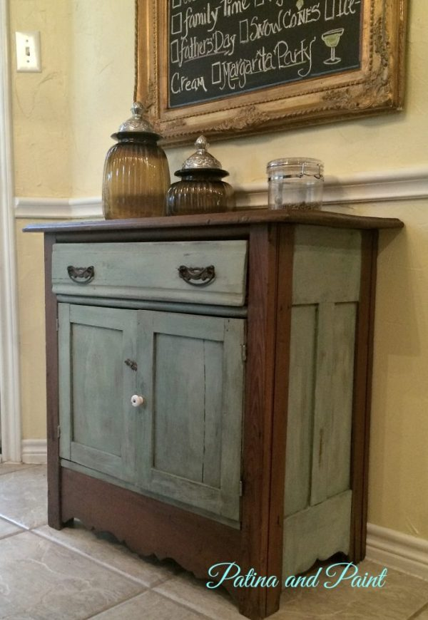 Duck egg cabinet