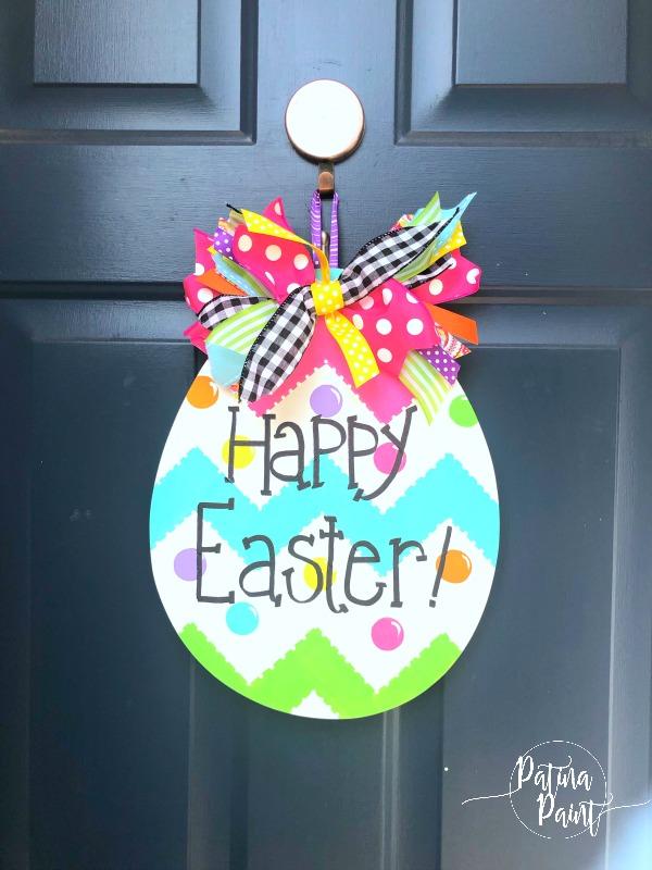Egg-stra special door hanger